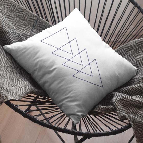Picture of Cojín   Triángulos abstractos